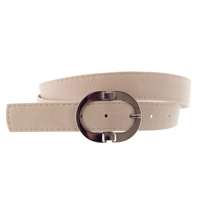 Cinturón hebilla ovalada.