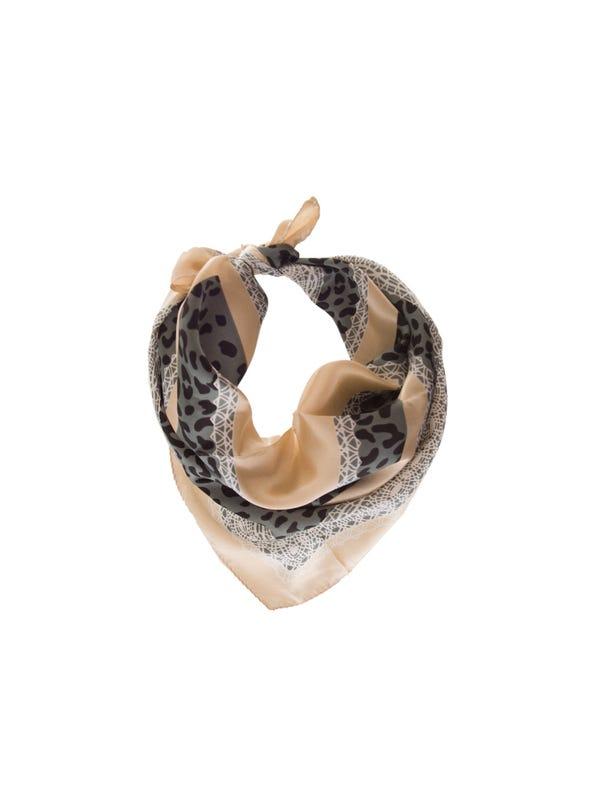 Pañuelo de seda cuadrado con estampado.