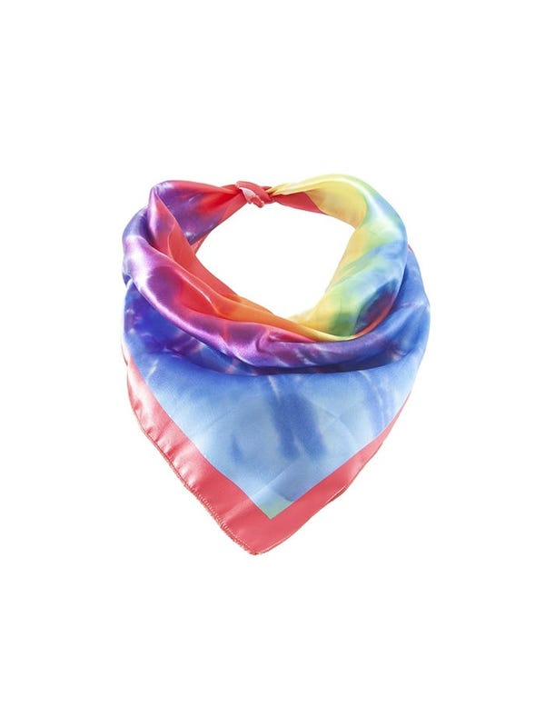 Pañuelo cuadrado de seda con diseño batik.